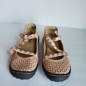 Jambu Shoes - JBU by Jambu Karen Sandals, Size 6